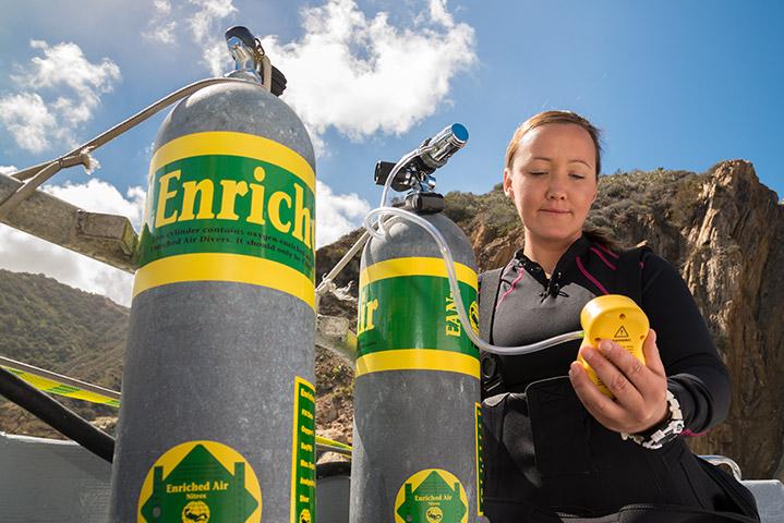 Buzo de Aire enriquecido (Nitrox Diver) - image enriched-air-diver on https://oceanoscuba.com.co