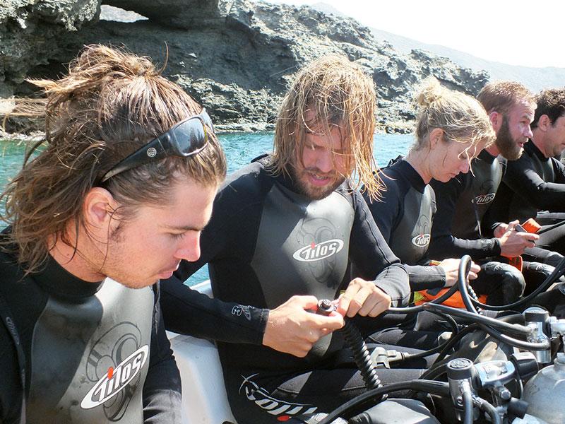Refresher course (Book) - image refresh-course on https://oceanoscuba.com.co
